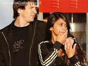 Lionel Messi And Antonella Roccuzzo 2012 BARCELLONA E' nato Thi...