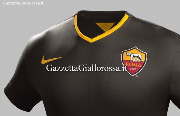 AS ROMA Ora in vendita negli store Nike la terza maglia nera ...