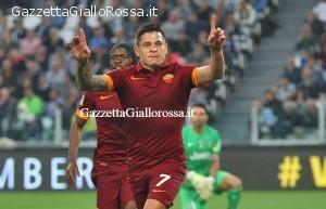 Juventus-Roma esultanza Iturbe