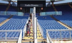 Le barriere montate all'Olimpico (foto: La Repubblica)