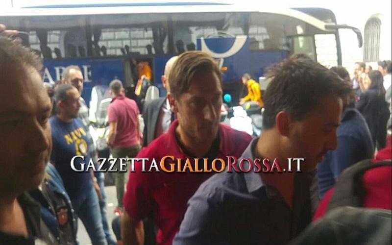 Roma-Genoa e Samp-Napoli si giocano domenica alle 18