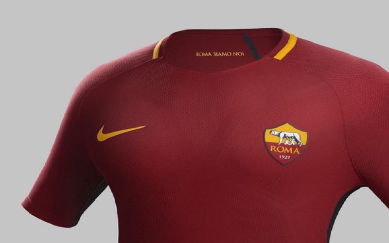 Inter, presentata la nuova maglia per la stagione 2017/2018