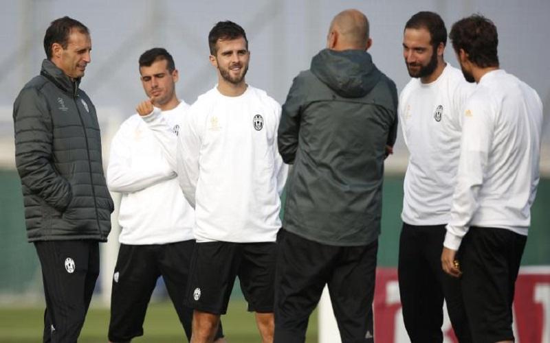 Juventus, Mandzukic e Cuadrado in gruppo: si scaldano per la Roma